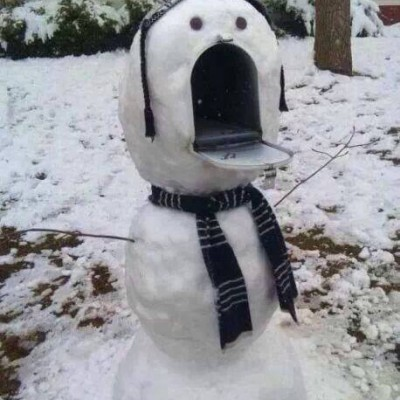 Send this mailbox some holiday cheer!